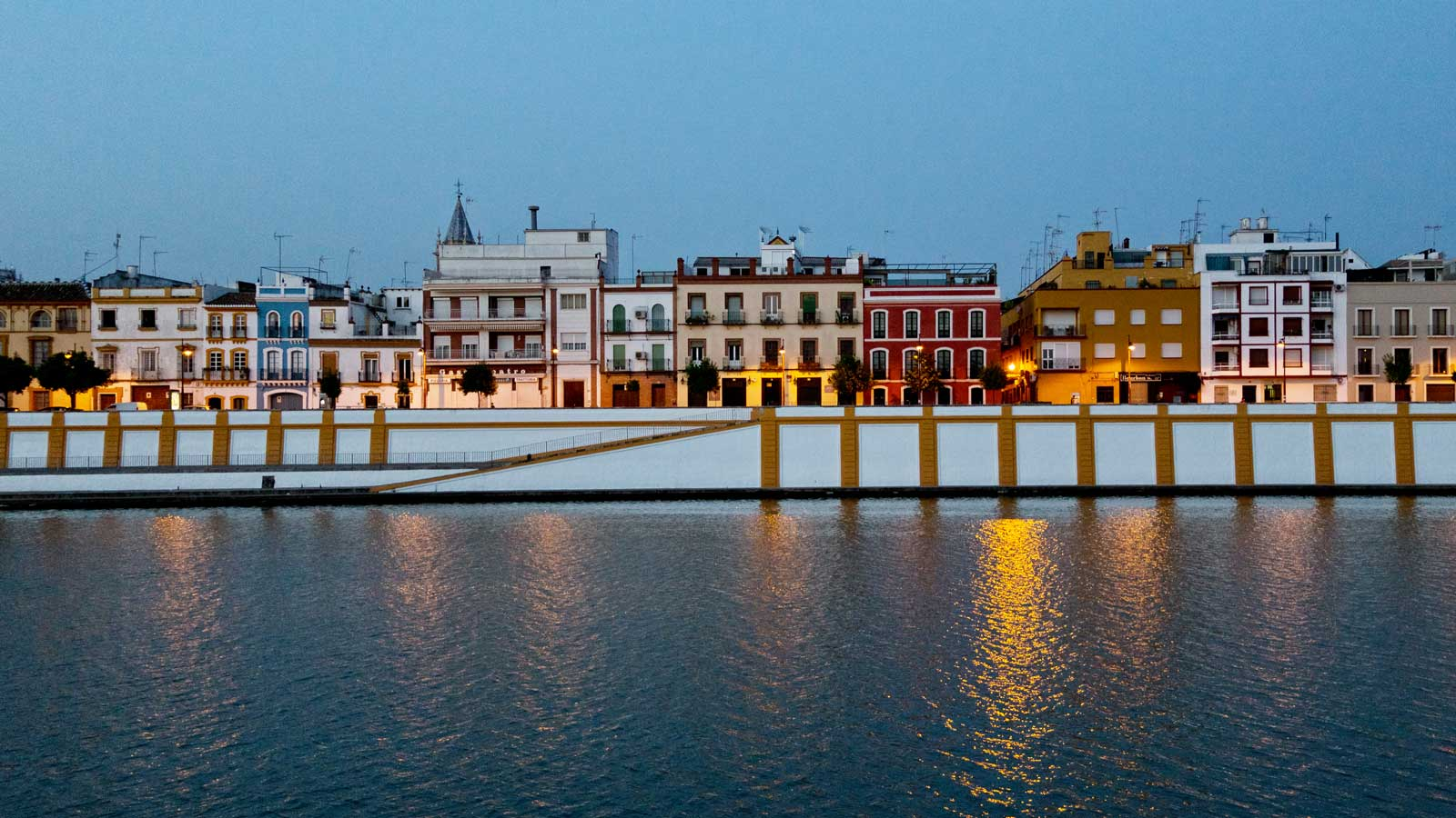 an analysis of the spanish city seville Spanish over 50 course: seville a wonderful city the course focuses on the social and cultural aspects of the spanish language rather than grammar analysis.